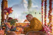 Его Святейшество Далай-лама проводит подготовительные ритуалы перед посвящением Авалокитешвары. Ле, Ладак, штат Джамму и Кашмир, Индия. 21 августа 2016 г. Фото: Тензин Чойджор (офис ЕСДЛ)