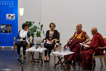 Продолжается визит Далай-ламы во Францию