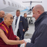 Далай-лама покинул Страсбург и прибыл во Вроцлав