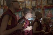 Далай-лама провел церемонию дарования монашеских обетов