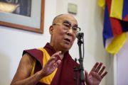 Его Святейшество Далай-лама выступает с обращением во время открытия 7-й Международной конференции групп поддержки Тибета. Брюссель, Бельгия. 8 сентября 2016 г. Фото: Оливье Адам