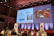 Профессор Деннис Джеймс Сноуэр, президент Кильского института мировой экономики, выступает с докладом в ходе дневной сессии второго дня конференции «Власть и забота», организованной под эгидой института «Ум и жизнь». Брюссель, Бельгия. 10 сентября 2016 г. Фото: Оливье Адам