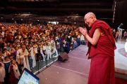 Его Святейшество Далай-лама в начале встречи, на которую собралось более трех с половиной тысяч тибетцев, проживающих в Брюсселе и его окрестностях. Брюссель, Бельгия. 11 сентября 2016 г. Фото: Оливье Адам