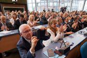 Члены комиссии Совета Европы по правам человека слушают обращение Его Святейшества Далай-ламы. Страсбург, Франция. 15 сентября 2016 г. Фото: Оливье Адам