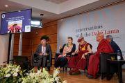 Таня Сингер выступает с докладом об эмпатии и сострадании в ходе конференции «Тело, ум, наука» в Страсбургском университете. Страсбург, Франция. 16 сентября 2016 г. Фото: Оливье Адам