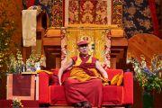Его Святейшество Далай-лама дарует учения по сочинению Нагарджуны «Толкование бодхичитты» в спортивно-концертном комплексе «Зенит». Страсбург, Франция. 17 сентября 2016 г. Фото: Оливье Адам