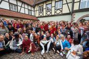 Его Святейшество Далай-лама фотографируется на память с волонтерами, которые помогали организовать его визит в Страсбург. Страсбург, Франция. 19 сентября 2016 г. Фото: Оливье Адам