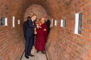 Его Святейшество Далай-лама во время визита в историко-культурный центр «Depot». Вроцлав, Польша. 20 сентября 2016 г. Фото: Мачей Кульчиньский