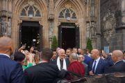 Епископ Игнаций Дец приветствует Его Святейшество Далай-ламу в своей церкви в Свиднице. Свидница, Польша. 21 сентября 2016 г. Фото: Джереми Рассел (офис ЕСДЛ)