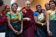 Далай-лама завершил визит в Ригу и отправился в Берн