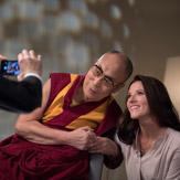 Далай-лама уверен, что в эпоху глобального кризиса нам нужны солидарность и диалог