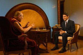 Далай-ламу тепло встретили в Праге