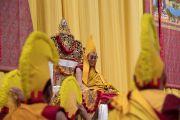 Его Святейшество Далай-лама во время подношения молебна о долгой жизни. Цюрих, Швейцария. 14 октября 2016 г. Фото: Мануэль Бауэр