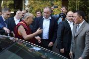 Его Святейшество Далай-лама беседует с Андреем Киской, президентом Словакии, по завершении встречи, прошедшей в братиславской телевизионной башне. Братислава, Словакия. 16 октября 2016 г. Фото: Мариан Гарай