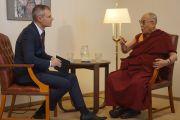 Его Святейшество Далай-лама дает интервью журналисту словацкого телевидения Любомиру Баянику. Братислава, Словакия. 16 октября 2016 г. Фото: Джереми Рассел (офис ЕСДЛ)