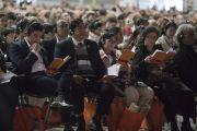 Слушатели во время учений Его Святейшества Далай-ламы. Милан, Италия. 21 октября 2016 г. Фото: Тензин Чойджор (офис ЕСДЛ)