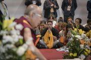 Его Святейшество Далай-лама дарует наставления более чем 200 тибетцам, живущим в Италии, Швейцарии и Испании. Милан, Италия. 21 октября 2016 г. Фото: Тензин Чойджор (офис ЕСДЛ)