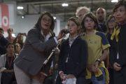Слушатели выстроились в очередь, чтобы задать вопрос Его Святейшеству Далай-ламе во время дневной сессии учений. Милан, Италия. 21 октября 2016 г. Фото: Тензин Чойджор (офис ЕСДЛ)