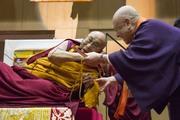 Начало учений Далай-ламы в Осаке