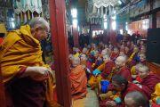 Его Святейшество Далай-лама прибывает в зал собраний Гандан главного монастыря Монголии Гандан Тегченлинг. Улан-Батор, Монголия. 19 ноября 2016 г. Фото: Тензин Такла (офис ЕСДЛ)