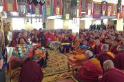 Его Святейшество Далай-лама обращается к представителям духовенства в дацане Йига Чолинг. Улан-Батор, Монголия. 19 ноября 2016 г. Фото: Тензин Такла (офис ЕСДЛ)