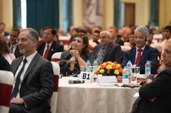 Далай-лама принял участие в конференции по правам детей в Дели