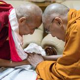 Далай-лама посетил монастыри Деянг и Рато