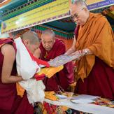 Далай-лама принял участие в церемонии вручения первых дипломов геше-ма и золотом юбилее Центральной школы для тибетцев в Мундгоде