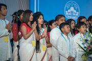 Выступление студентов перед публичной лекцией Его Святейшества Далай-ламы на стадионе «Тьягарадж». Нью-Дели, Индия. 9 декабря 2016 г. Фото: Тензин Чойджор (офис ЕСДЛ)