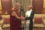 Его Святейшество Далай-лама и президент Индии Пранаб Мукерджи в президентской резиденции Раштрапати Бхаван. Дели, Индия. 11 декабря 2016 г. Фото: Тензин Такла (офис ЕСДЛ)