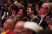 Слушатели в зале во время лекции Его Святейшества Далай-ламы на 21-м празднике Дхармы, организованном центром медитации «Тушита». Дели, Индия. 11 декабря 2016 г. Фото: Тензин Чойджор (офис ЕСДЛ)