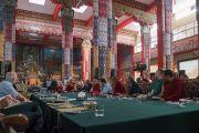 Его Святейшество Далай-лама выступает с вступительной речью на открытии международного симпозиума «Эмори–Тибет». Мундгод, штат Карнатака, Индия. 18 декабря 2016 г. Фото: Тензин Чойджор (офис ЕСДЛ)