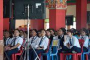 Ученики местной тибетской школы слушают доклады на второй день симпозиума «Эмори–Тибет». Мундгод, штат Карнатака, Индия. 19 декабря 2016 г. Фото: Тензин Чойджор (офис ЕСДЛ)