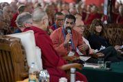 Брайан Дайас принимает участие в обсуждении по теме нейронауки в заключительный день конференции «Эмори–Тибет». Мундгод, штат Карнатака, Индия. 20 декабря 2016 г. Фото: Тензин Чойджор (офис ЕСДЛ)