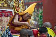 Традиционное подношение мандалы во время молебна о долголетии Его Святейшества Далай-ламы. Мундгод, штат Карнатака, Индия. 21 декабря 2016 г. Фото: Тензин Чойджор (офис ЕСДЛ)
