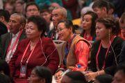 Некоторые из слушателей, присутствующих в зале гостиницы «Лила Эмбиенс Конвеншн» в первый день учений Его Святейшества Далай-ламы для буддистов России. Дели, Индия. 25 декабря 2016 г. Фото: Тензин Чойджор (офис ЕСДЛ)
