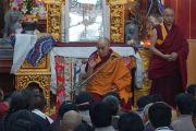 Его Святейшество Далай-лама встречается с паломниками из Тибета. Бодхгая, штат Бихар, Индия. 29 декабря 2016 г. Фото: Джереми Рассел (офис ЕСДЛ)