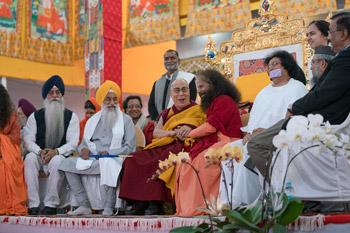 Лидеры разных религий нанесли визит Далай-ламе в Бодхгае