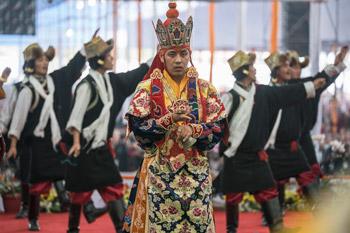 Подношение танцев перед посвящением Калачакры
