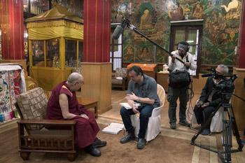 Далай-лама провел подготовительное посвящение Калачакры для учеников