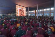 Некоторые из более чем 100,000 верующих, собравшихся на учения Его Святейшества Далай-ламы, предваряющие посвящение Калачакры. Бодхгая, штат Бихар, Индия. 5 января 2017 г. Фото: Тензин Чойджор (офис ЕСДЛ)