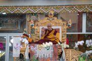 Его Святейшество Далай-лама в ходе первого дня учений, предваряющих посвящение Калачакры. Бодхгая, штат Бихар, Индия. 5 января 2017 г. Фото: Тензин Чойджор (офис ЕСДЛ)