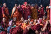 Группа буддийских монахов-индийцев, прибывших на посвящение Калачакры. Бодхгая, штат Бихар, Индия. 6 января 2017 г. Фото: Тензин Чойджор (офис ЕСДЛ)