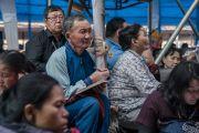 Слушатели во время третьего дня учений Его Святейшества Далай-ламы, предваряющих посвящение Калачакры. Бодхгая, штат Бихар, Индия. 7 января 2017 г. Фото: Тензин Чойджор (офис ЕСДЛ)