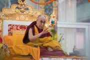 Его Святейшество Далай-лама дарует ученикам подготовительное посвящение Калачакры. Бодхгая, штат Бихар, Индия. 10 января 2017 г. Фото: Тензин Чойджор (офис ЕСДЛ)