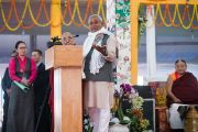 Главный министр штата Бихар Нитиш Кумар обращается к собравшимся в ходе церемонии закрытия 34-го посвящения Калачакры. Бодхгая, штат Бихар, Индия. 14 января 2017 г. Фото: Тензин Чойджор (офис ЕСДЛ)