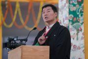 Сикьонг (глава Центральной тибетской администрации) Лобсанг Сенге выступает с обращением в ходе церемонии закрытия 34-го посвящения Калачакры. Бодхгая, штат Бихар, Индия. 14 января 2017 г. Фото: Тензин Чойджор (офис ЕСДЛ)