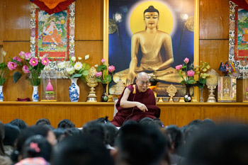 Далай-лама обратился к делегатам первой конференции по расширению прав тибетских женщин
