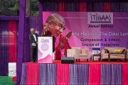 Его Святейшество Далай-лама выступает с лекцией о сострадании и нравственности в монастыре Иисуса и Марии. Нью-Дели, Индия. 6 февраля 2017 г. Фото: Тензин Чойджор (офис ЕСДЛ)