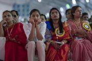 Участницы торжественного открытия Национального женского парламента слушают обращение Его Святейшества Далай-ламы. Амаравати, штат Андра-Прадеш, Индия. 10 февраля 2017 г. Фото: Тензин Чойджор (офис ЕСДЛ)